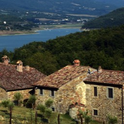 Borghetto Calcinaia: A small hamlet of restored farmhouses