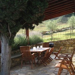 Borghetto Calcinaia: The guests veranda, ideal for summer evening meals