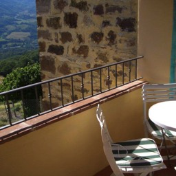 Casa Annabella: The loggia, a peaceful view of nature in the hills of Tuscany