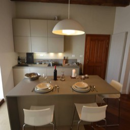 Casa Monte: The kitchen, perfect for upto 4 persons looking for a getaway in Umbria