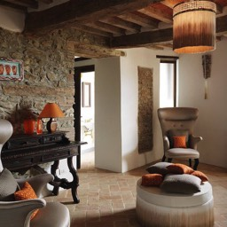 La Taverna al Monte: Enjoy the stunning interior design