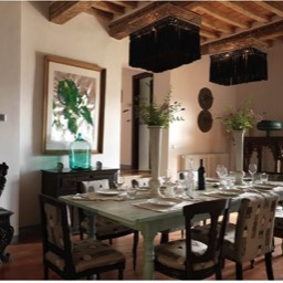 La Taverna al Monte: Enjoy the tastefully furnished dining room