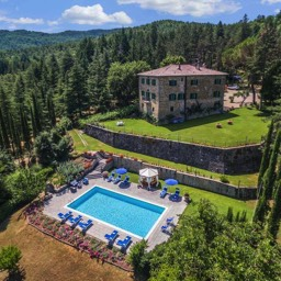 Palazzo Rosadi: An overhead view of the luxurious villa in Tuscany and its grounds with pool