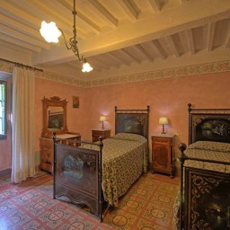 Palazzo Rosadi: The large bedroom with two single beds