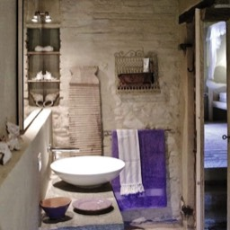 Poggiodoro: The first floor bathroom